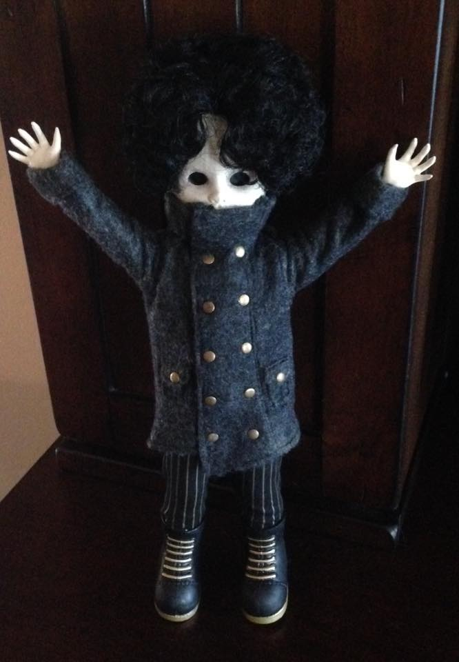Living Dead Doll Series 31 - Case of 5 Don't Turn Out The Lights 13307412