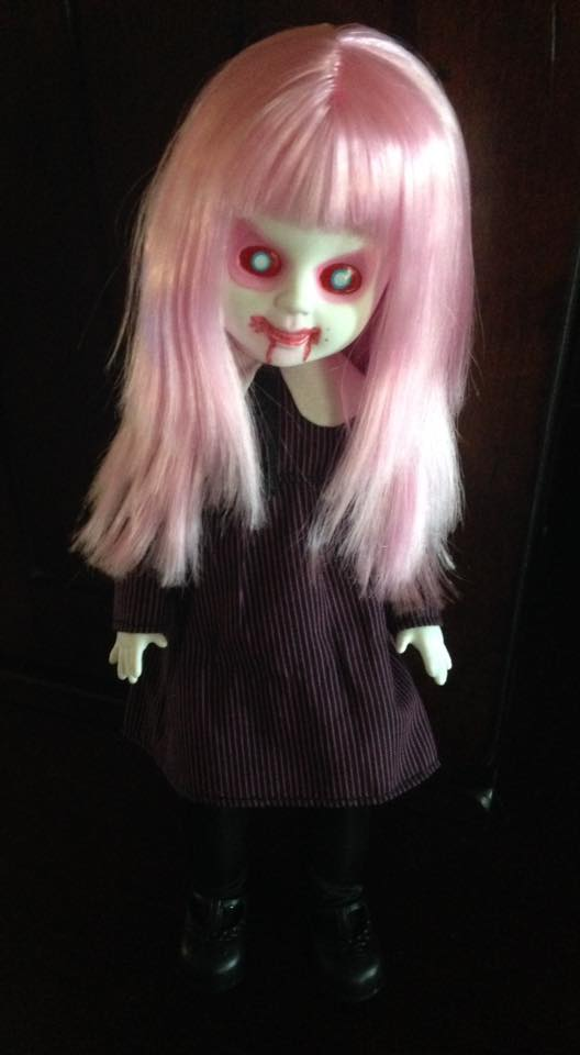 Living Dead Doll Series 31 - Case of 5 Don't Turn Out The Lights 13327510