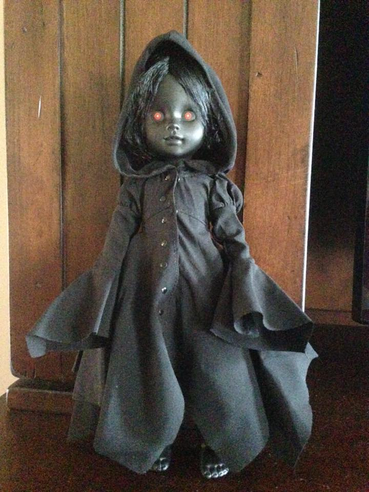 Living Dead Doll Series 31 - Case of 5 Don't Turn Out The Lights 13342910