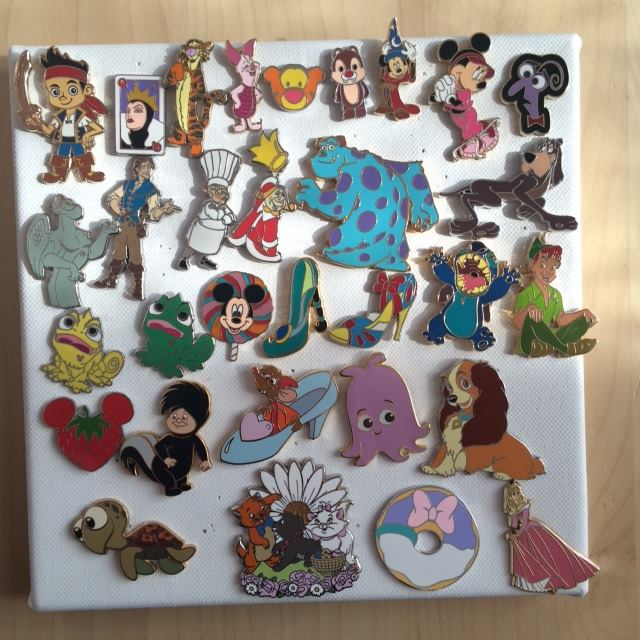 [Vente - Recherche] pin's disney / pin trading  (TOPIC UNIQUE) - Page 3 13015410
