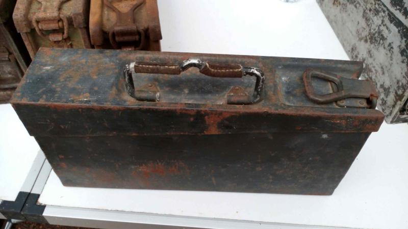 URGENT ! BESOIN D'UN AVIS pour ces deux caisses de munition de MG42 ! svp Img_4127