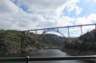 Le pont, incontournable du paysage routier Img_2710