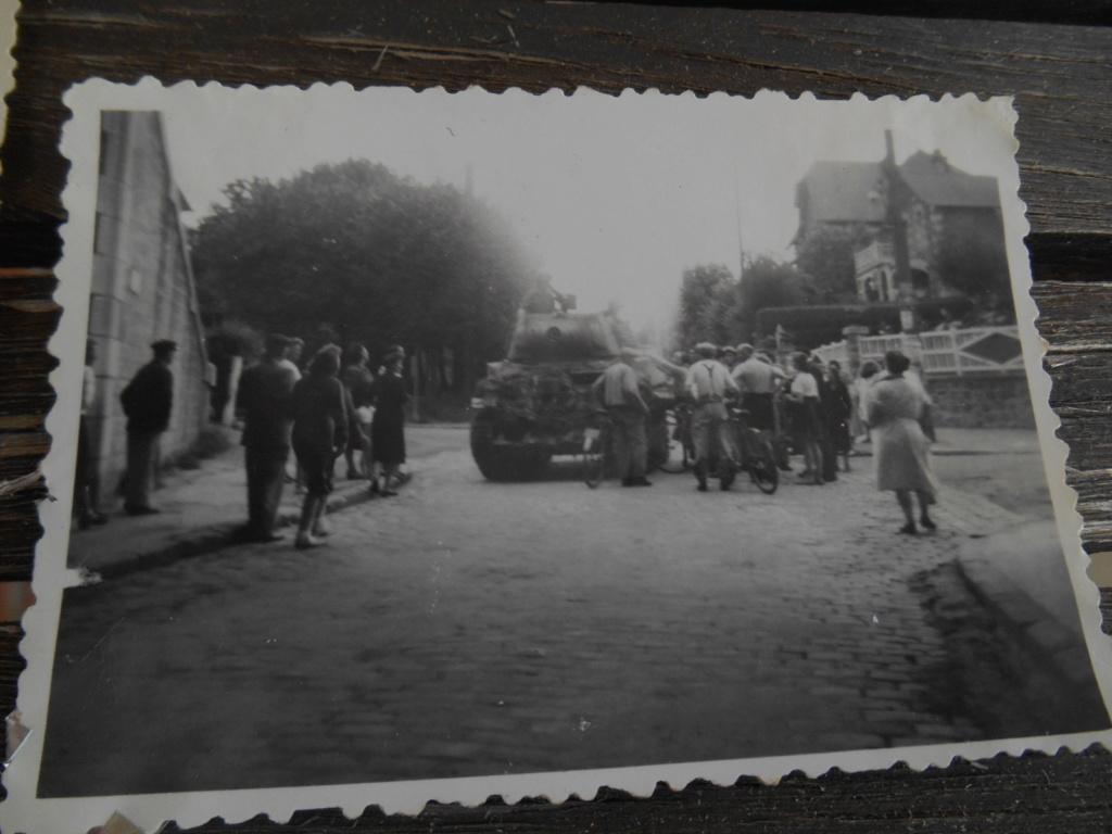 Lot de 5 photos libération d'une ville 28 août 1944 Dscn4569