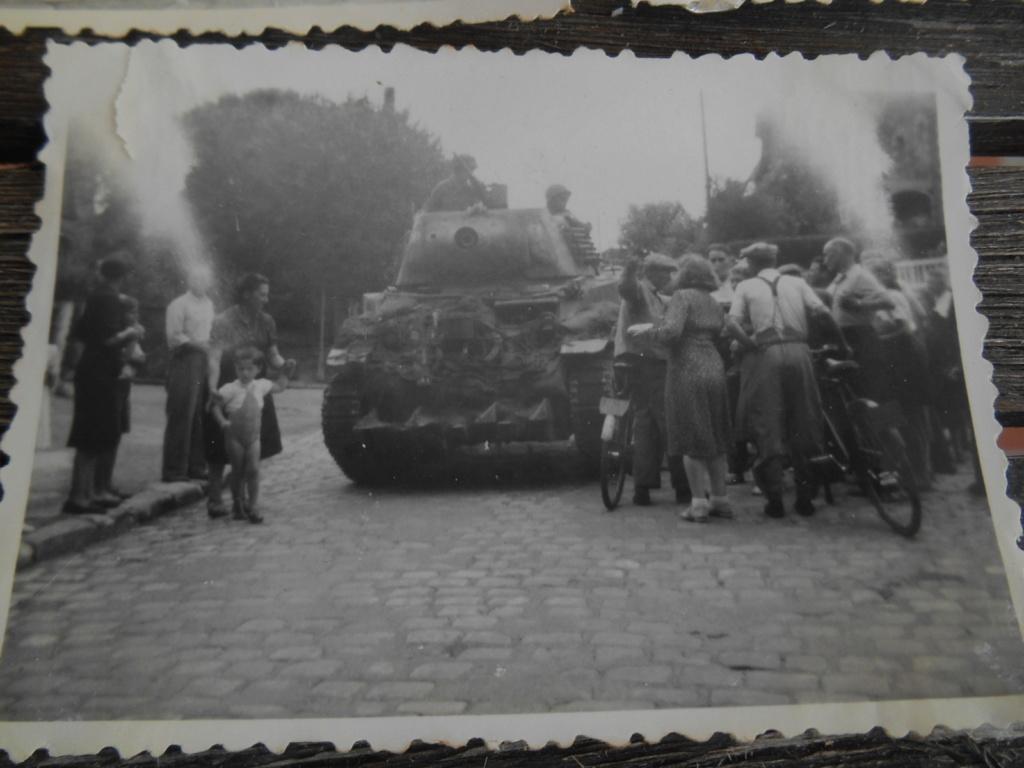 Lot de 5 photos libération d'une ville 28 août 1944 Dscn4570
