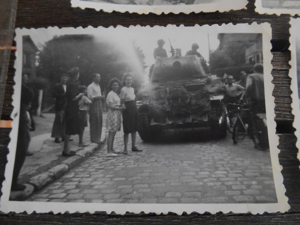 Lot de 5 photos libération d'une ville 28 août 1944 Dscn4571