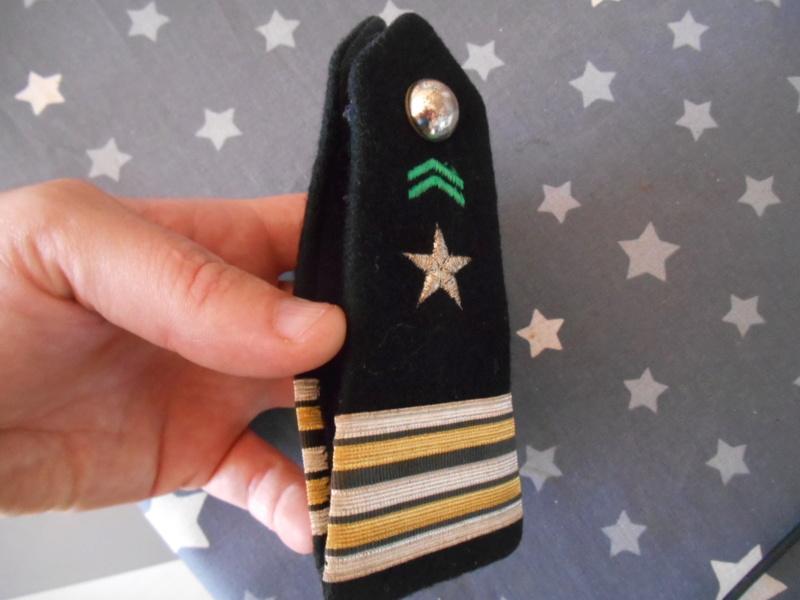 Pattes d'épaules de Lieutenant-colonel de ??? je ne sais pas en fait ! SOLDE Dscn5425