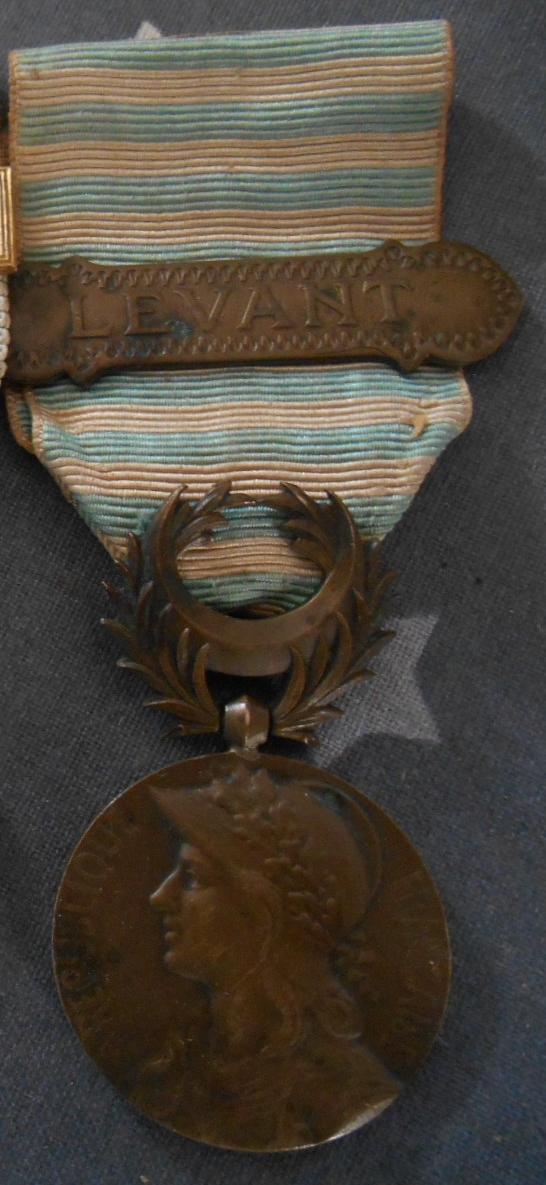 """Médaille COMMÉMORATIVE DE SYRIE-CILICIE agrafe """"LEVANT"""" VENDUE Dscn5434"""