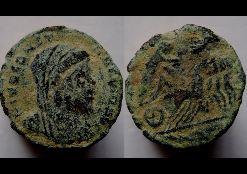 Nummi de consécration - Constantin I  Arles311