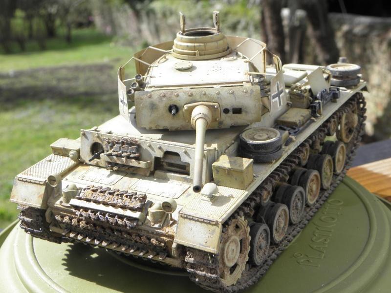 Panzer III Ausf M Dragon 1/35 canon et schürzen en photodécoupe P3280413