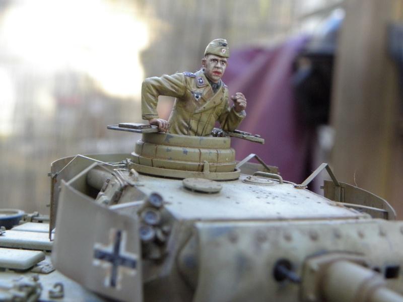 Panzer III Ausf M Dragon 1/35 canon et schürzen en photodécoupe P4040611