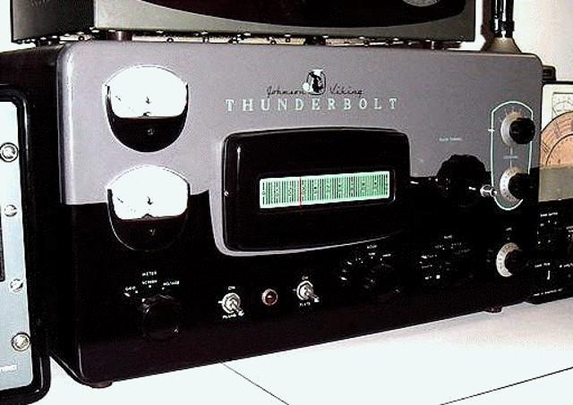 Johnson - E.F. Johnson Viking Thunderbolt (Ampli Lineaire) Johnso11