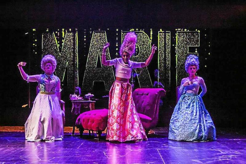 La pièce d'Adjimi au Dobama Theatre Ar-16010