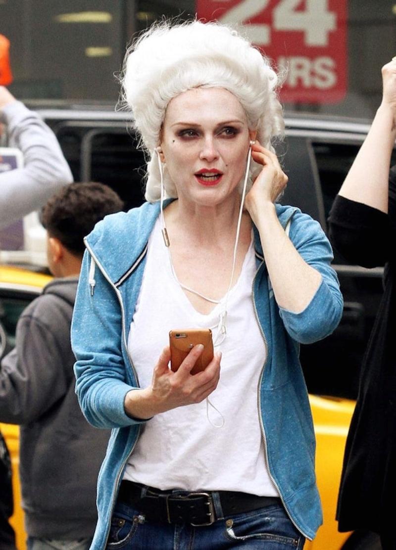 Julianne Moore en Marie-Antoinette ?  Sans_p10