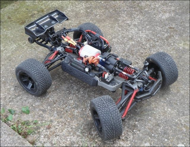 E-Revo's 1/16 Brushless 3S (380/540) - Page 6 1111