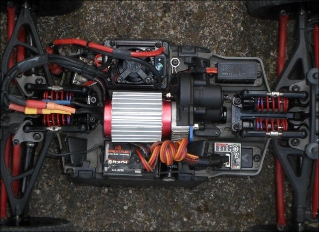 E-Revo's 1/16 Brushless 3S (380/540) - Page 6 2011