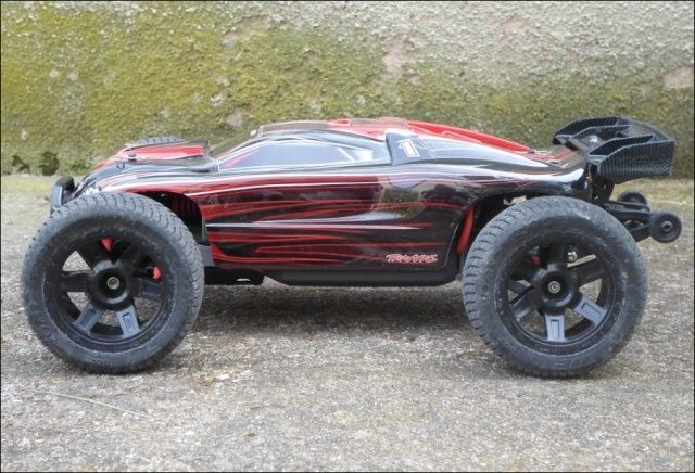 E-Revo's 1/16 Brushless 3S (380/540) - Page 6 711