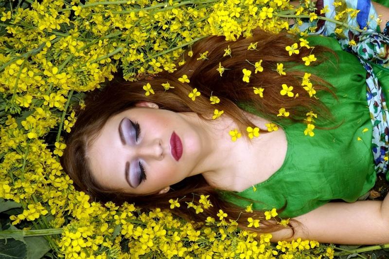 Vidéo : les énigmes du rêve lucide Girl-110