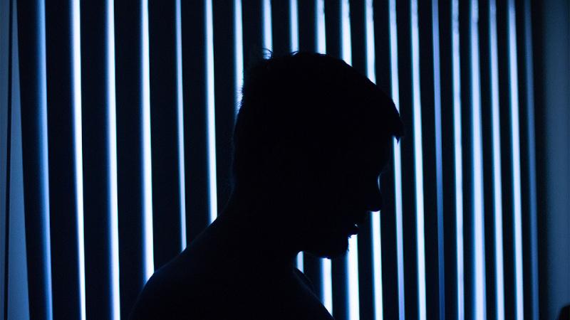 9 choses que font les gens qui ont une dépression masquée Masquy10
