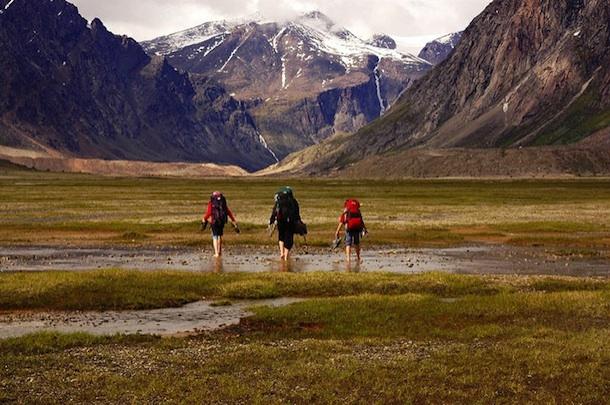 Selon une nouvelle étude, passer du temps dans la nature favorise la confiance, la générosité et l'altruisme Mounta11