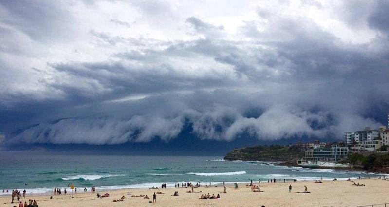 Un super « Nuage de Tsunami » submerge l'Australie Nuage-13