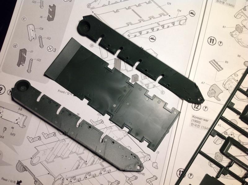 Mai 1945 - La chute de Berlin - 1/35 Char T34/85 N° 112 Factory production Maque143