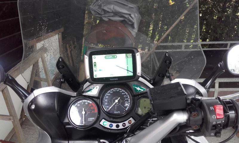 SUPPORT GPS AU DESSUS DU COMPTEUR Gps210