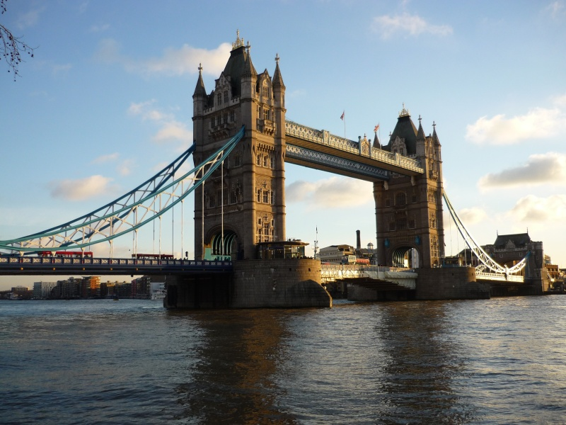 Le pont, incontournable du paysage routier P1040712