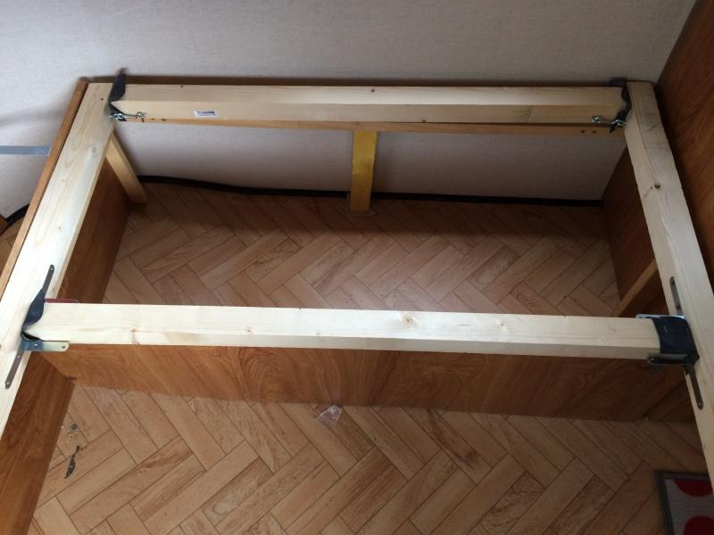 Un sommier maison pour un lit confortable Img_1211