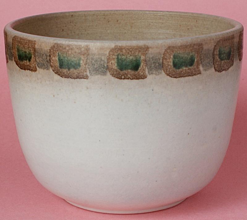 Pottery Planter: Possibly  Mediterranean - Italian - American? Dsc01911