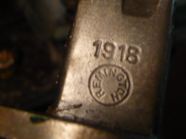 Les Couteaux USM3 + Les Fourreaux ....Les Fabricants.... P1030923