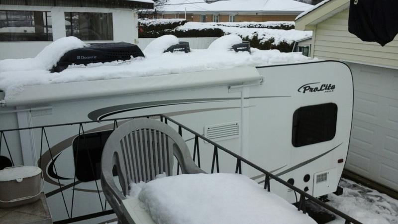 glace sur le toit de la roulotte - Page 2 Le_7_a10