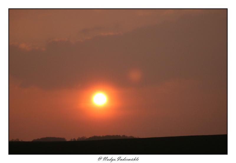 Lever ou coucher de soleil. Cadri241