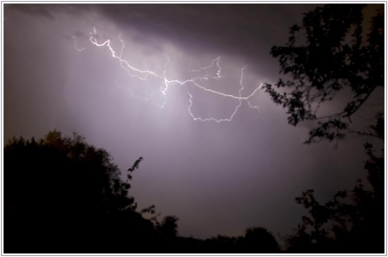 Vous avez dit un orage en mai !!!!  Dsc_1510