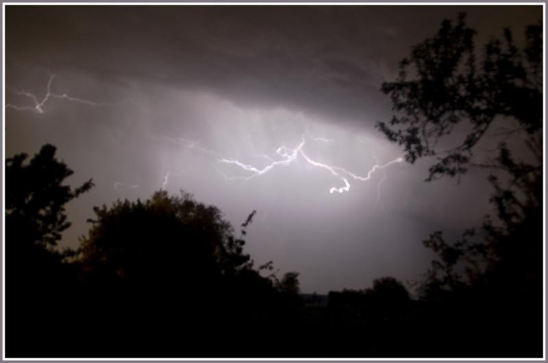 Vous avez dit un orage en mai !!!!  Dsc_1512