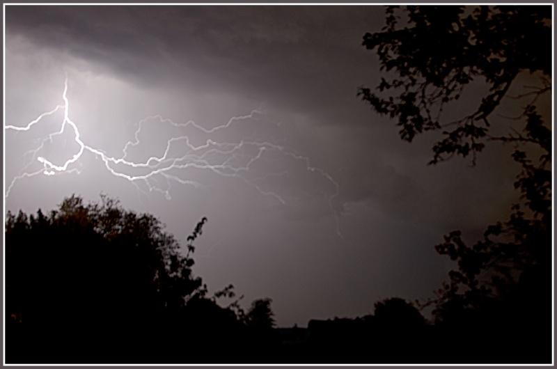 Vous avez dit un orage en mai !!!!  Dsc_1513