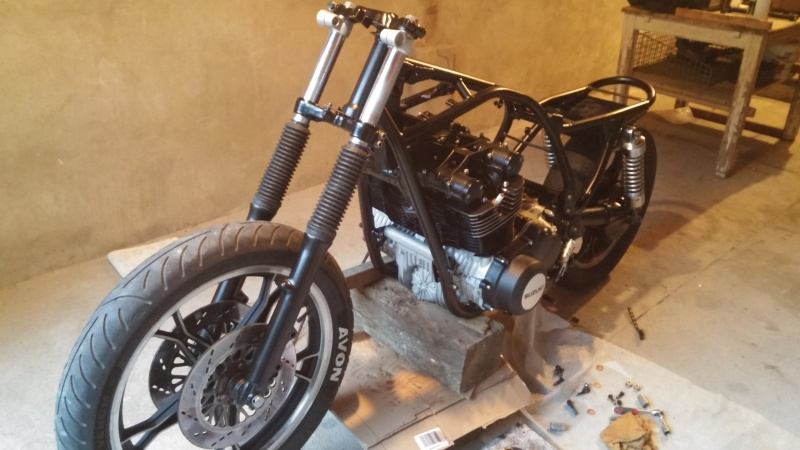 Aza project : GS 1100 G Brat Style - Page 2 20160610