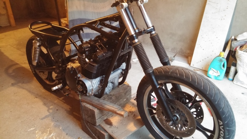 Aza project : GS 1100 G Brat Style - Page 2 20160613