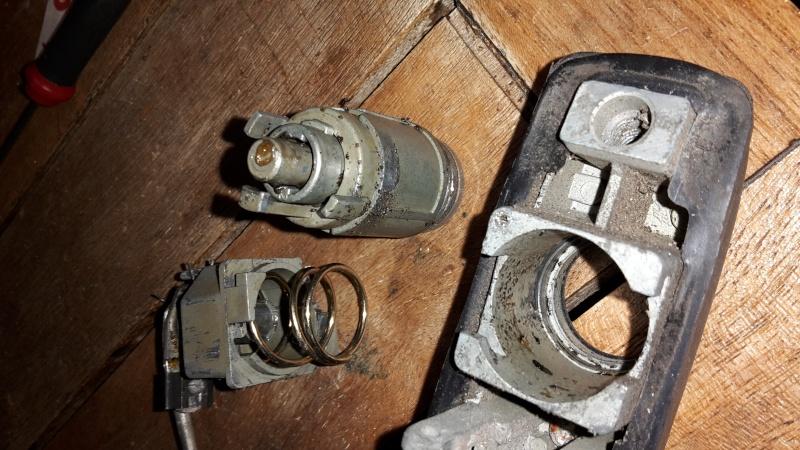démontage barillet de porte sans clé Ensemb10