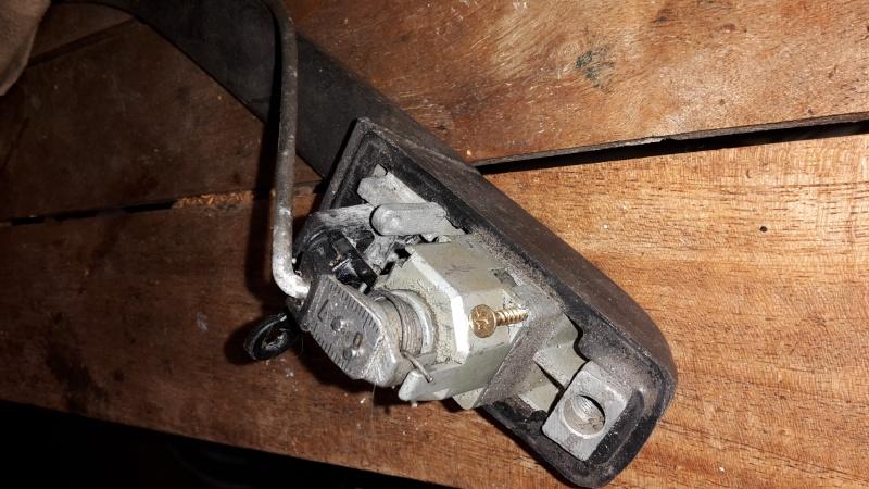 démontage barillet de porte sans clé Remont10
