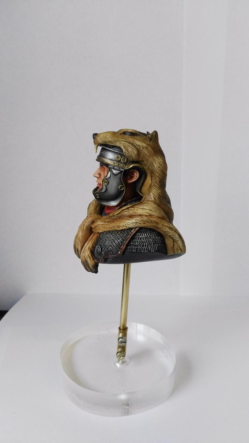 De retour de Mons expo avec une médaille d'or catégorie figurines débutant Img_2028