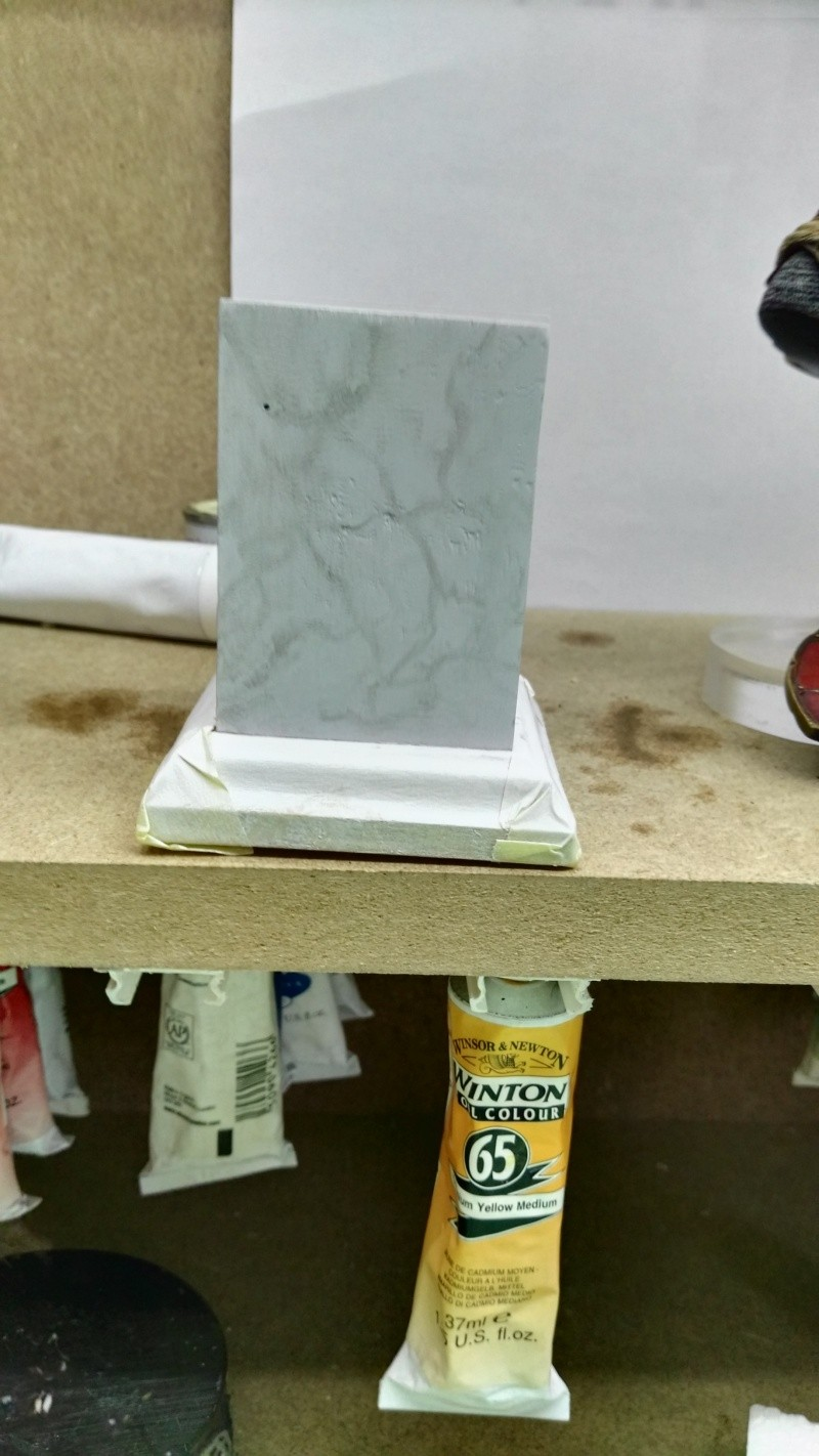 Transformer un socle en bois en socle de marbre (faux marbre) deuxièmes veines Img_2048