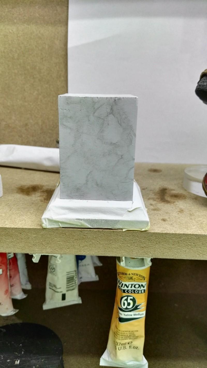 Transformer un socle en bois en socle de marbre (faux marbre) deuxièmes veines Img_2050