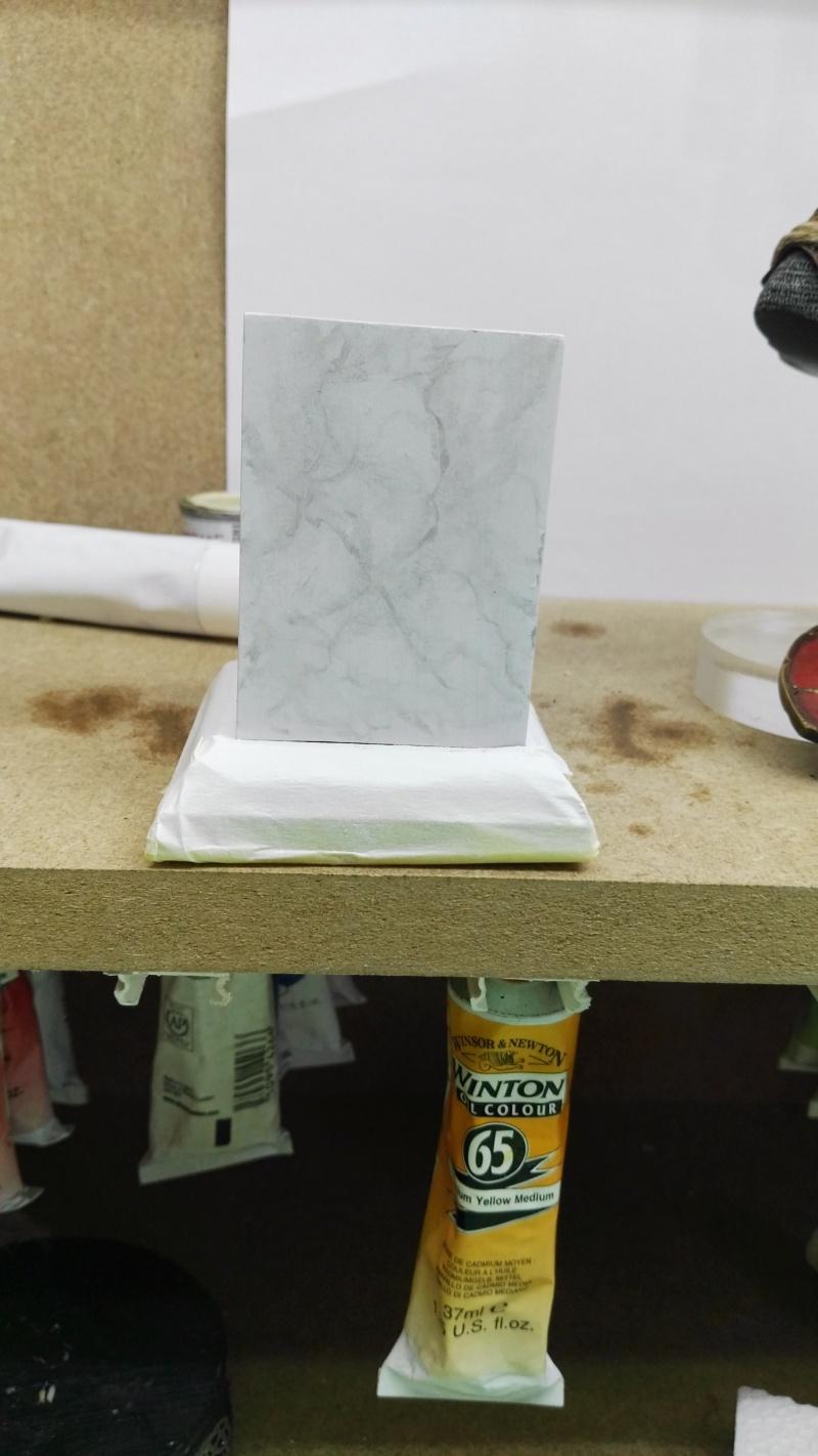 Transformer un socle en bois en socle de marbre (faux marbre) deuxièmes veines Img_2052