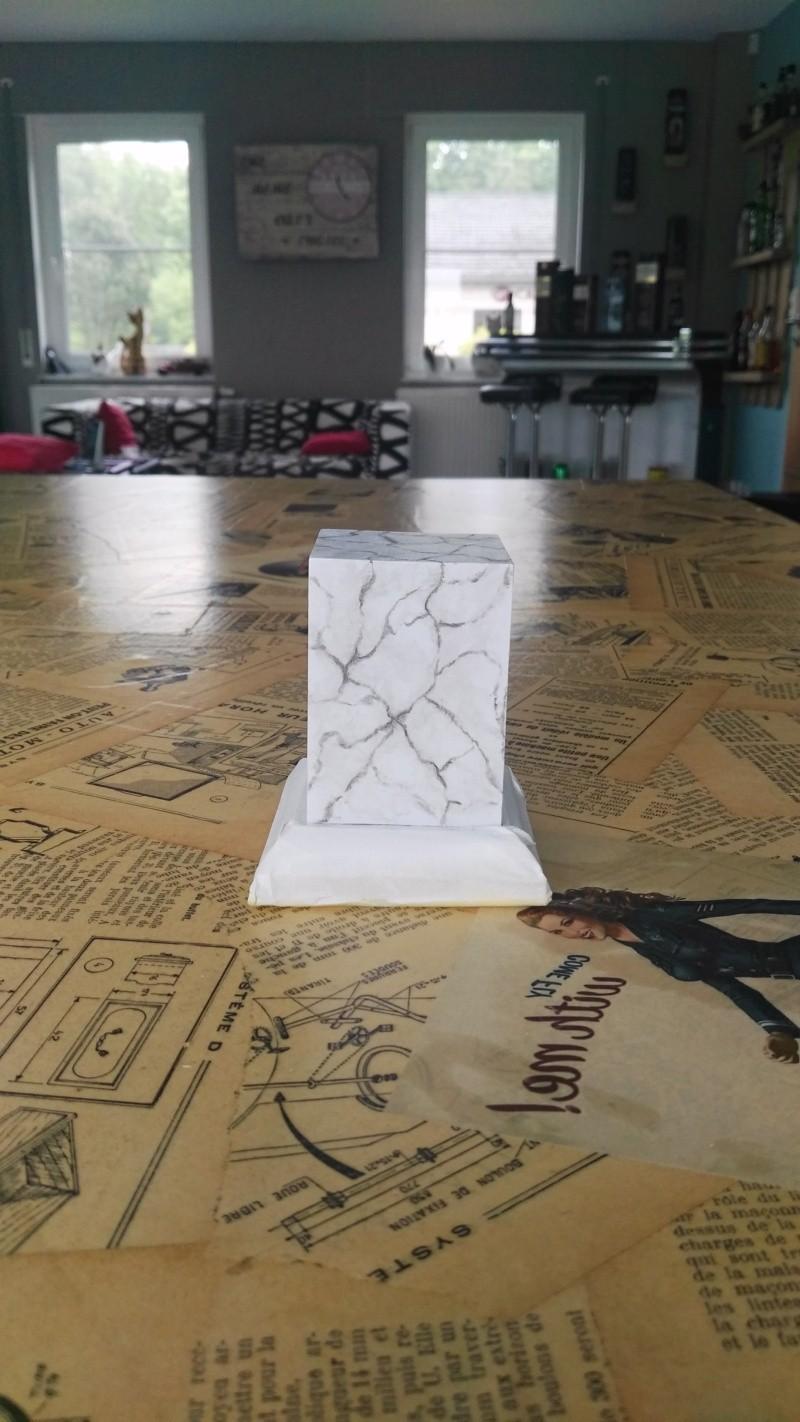 Transformer un socle en bois en socle de marbre (faux marbre) deuxièmes veines Img_2053