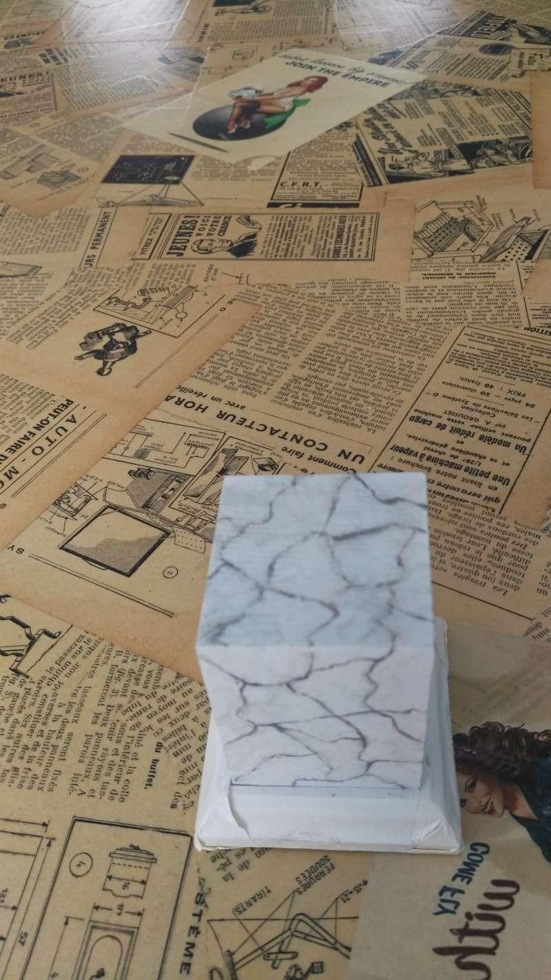 Transformer un socle en bois en socle de marbre (faux marbre) deuxièmes veines Img_2055