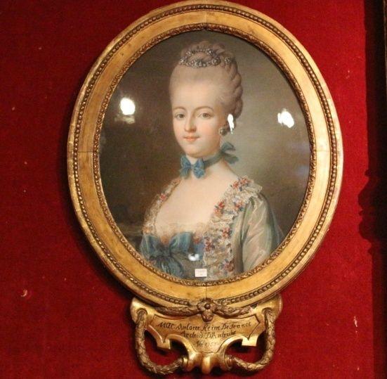Vente de Souvenirs Historiques - aux enchères plusieurs reliques de la Reine Marie-Antoinette - Page 4 Sans_t10