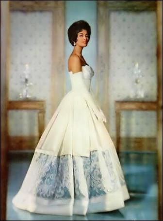 Ball Gown: Ball Dress brief history Helen-10
