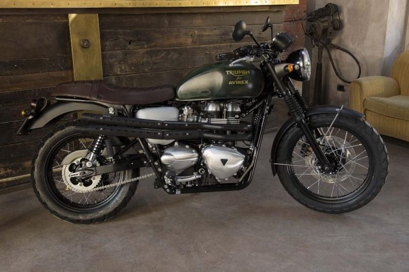 La moto Guzzi V9 Bobber Image21
