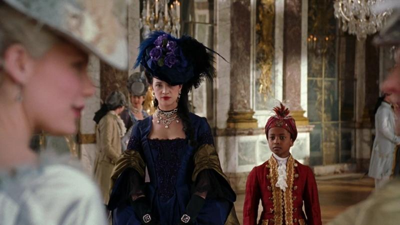 Marie Antoinette avec Kirsten Dunst (Sofia Coppola) - Page 3 Marie210