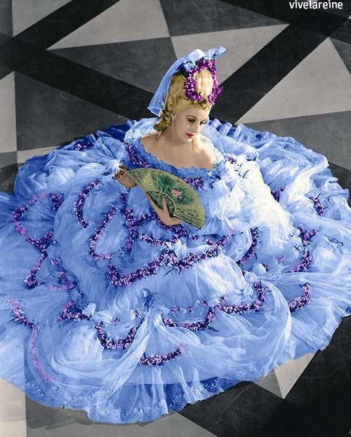 Les robes portées par les Marie Antoinette de nos écrans Tumblr33